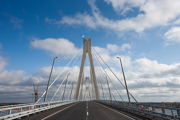 Oka River cable-stayed bridge (Murom, 2009)